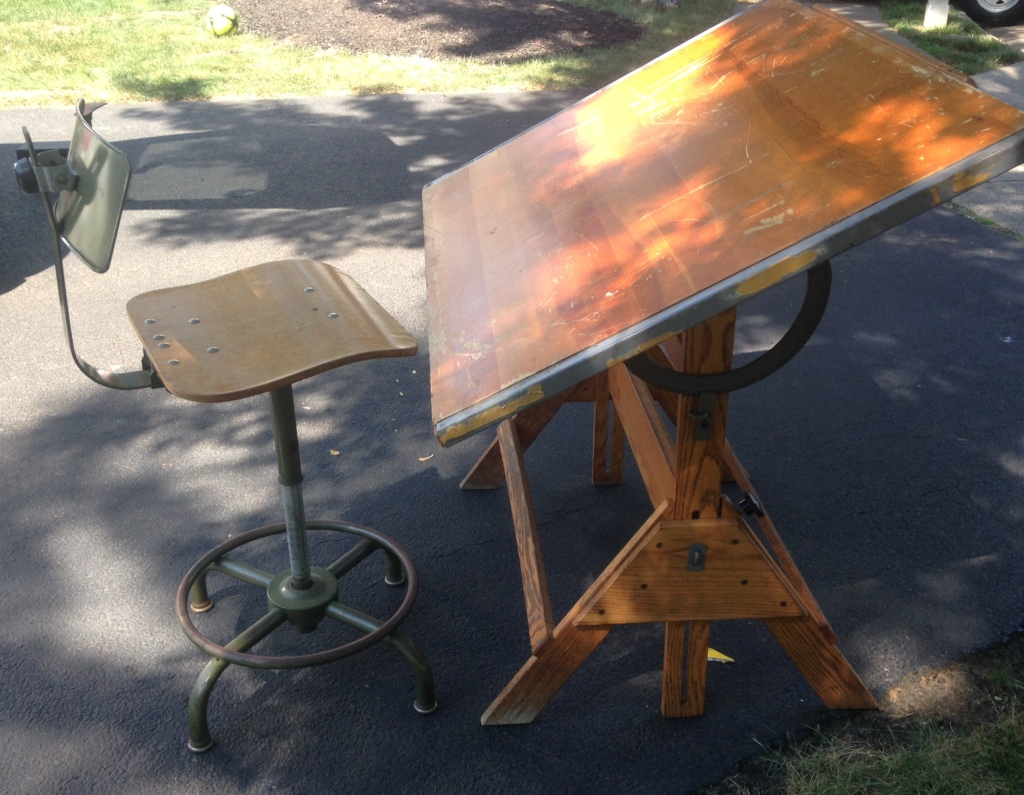 I have a weakness for vintage drafting tables. And vintage drafting stools.